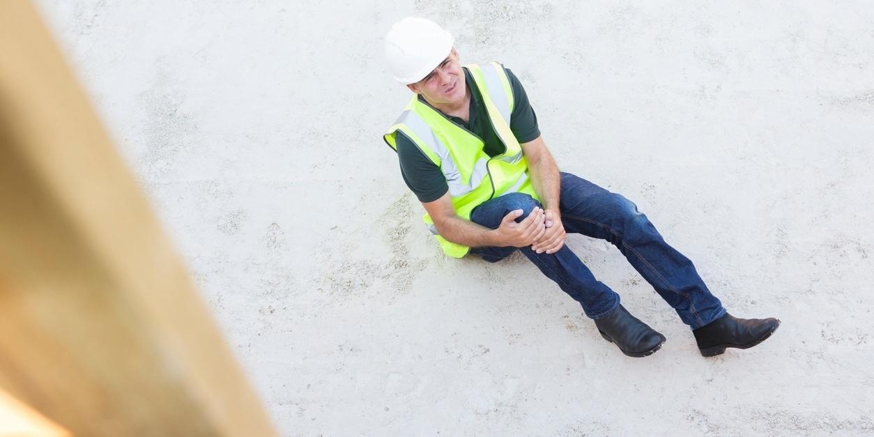 danger-of-hiring-uninsured-roofer-large-520366-edited.jpg